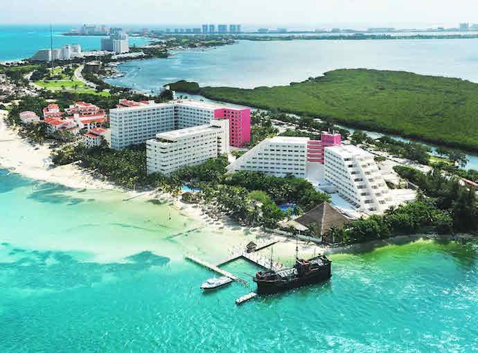 Cancun Oasis Palm Panoramica
